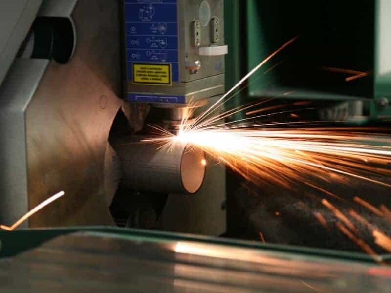 Corte a laser de tubos de aço