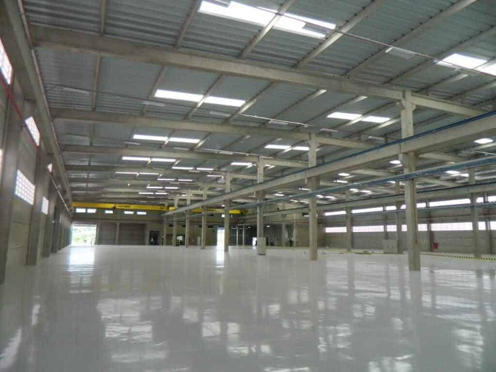 M dia piso da f brica pintado com tinta ep xi engetref for Fabrica de pisos