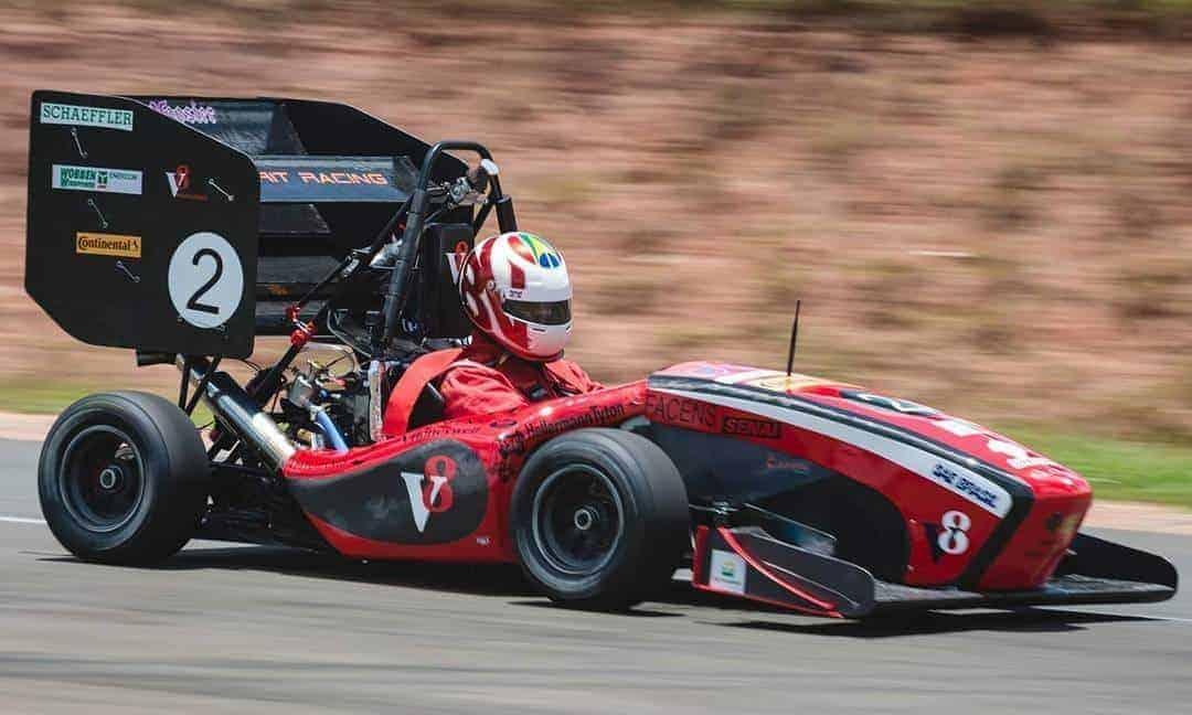Carro F17 da Equipe V8 Racing (FACENS)