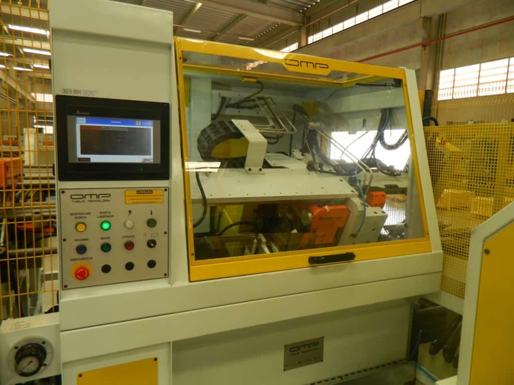 Unidade central da máquina para corte e escovamento de tubos