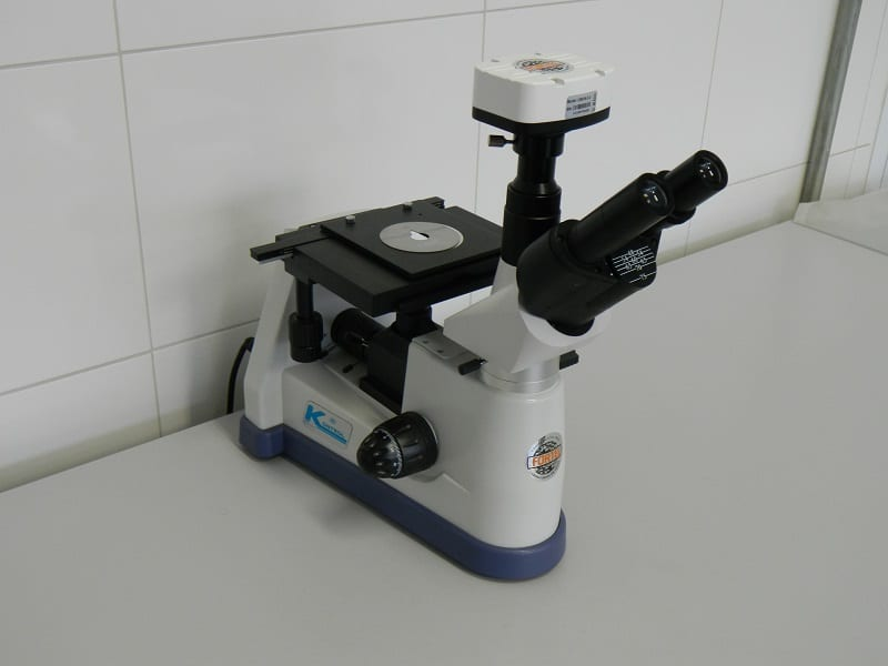 Microscópio metalográfico da Engetref